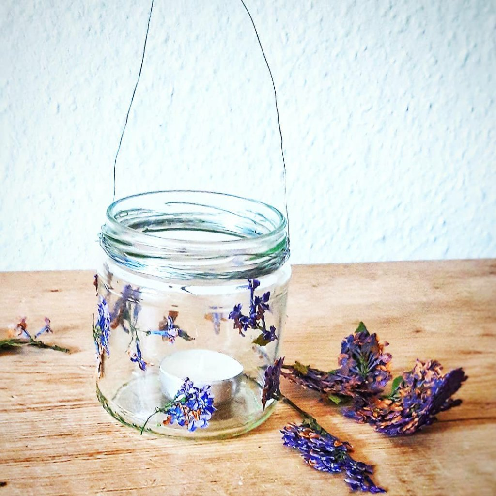 Glasupcycling Windlicht Flieder nachhaltig
