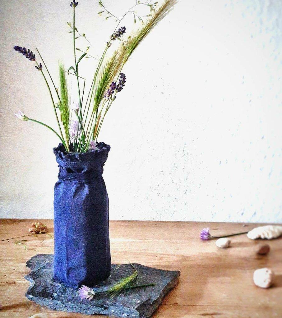 Aus einer alten Leggings und einem Altglas wird ein nachhaltiger Hingucker!