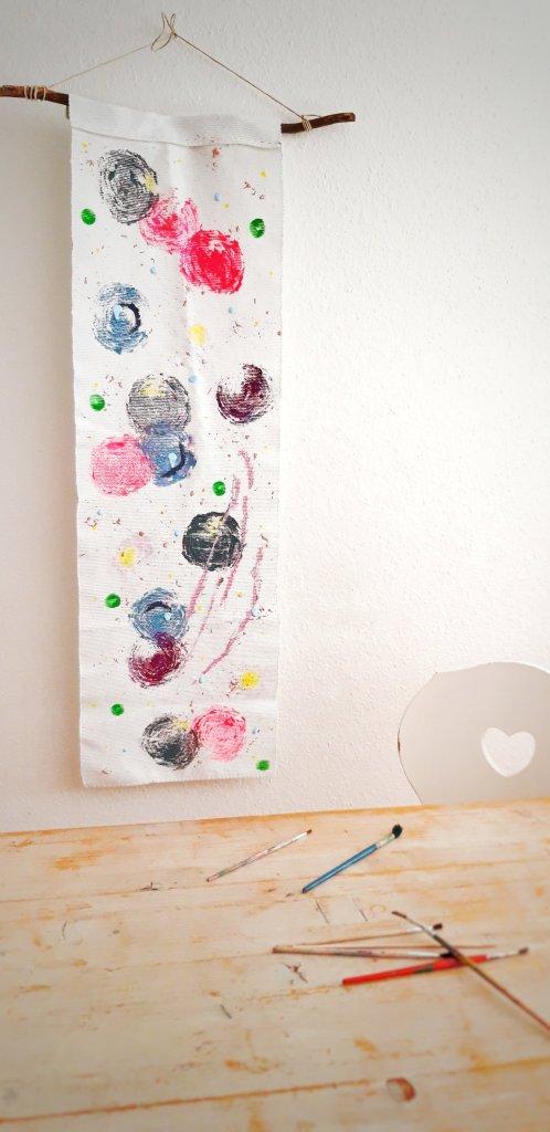 Aus einem alten Ikea Tischläufer wird mit einem Kohl Stumpen ein neues Kunstwerk